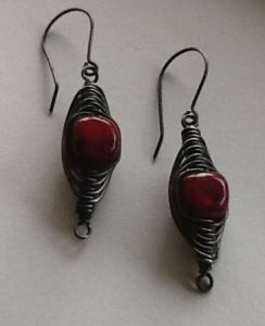 Red-Painted-Agate-Herringbone-Weave-Earrings