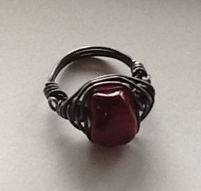 Red-Painted-Agate-Herringbone-Weave-Ring